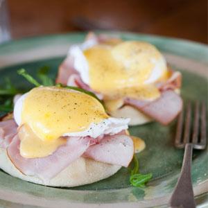 Classic-Eggs-Benedict