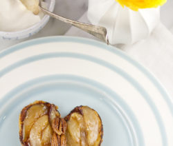 PECAN AND PEAR PAIN PERDU