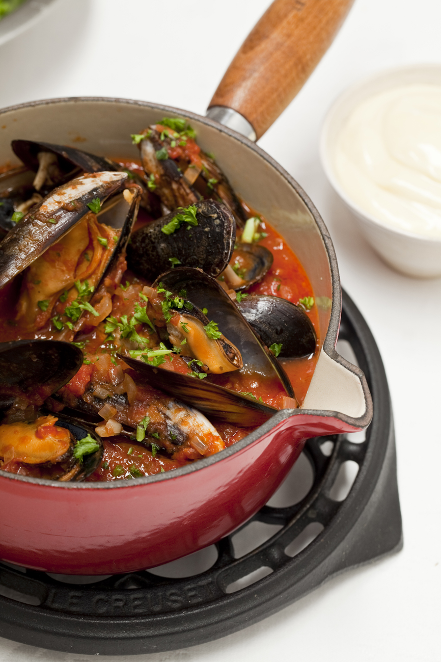 Fresh Mussels with Onions, Tomato, Garlic and Parsley served with ...