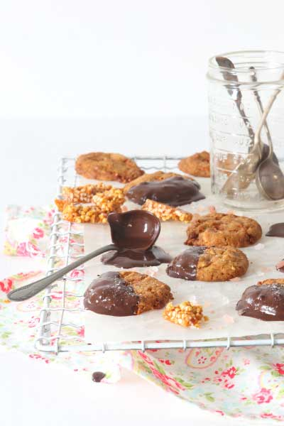 biscuit recipes peanut-pink-salt-praline-cookies