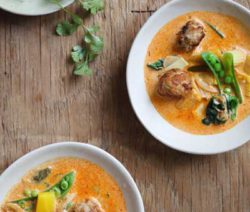red-coconut-curry_400x600