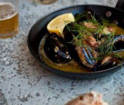 Pig-Cheeks-and-Mussels_400x600