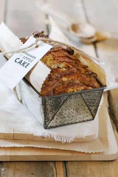 Cinnamon and Apple Cake Recipe