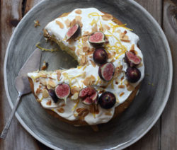 Courgette-Cake-with-Lemon-Mascarpone-Icing_400x600