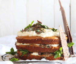 The-Ultimate-Peppermint-Crisp-Cake_400x600