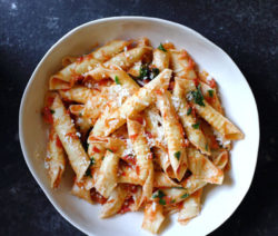 Garganelli-Arrabiata-With-Tomatoes-&-Garlicy-Basil_400x600