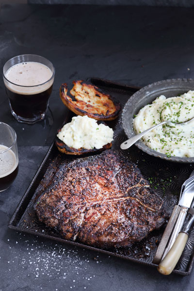 coffee-rub-t-bone--with-braaied-&-stuffed-potatoes_400x600