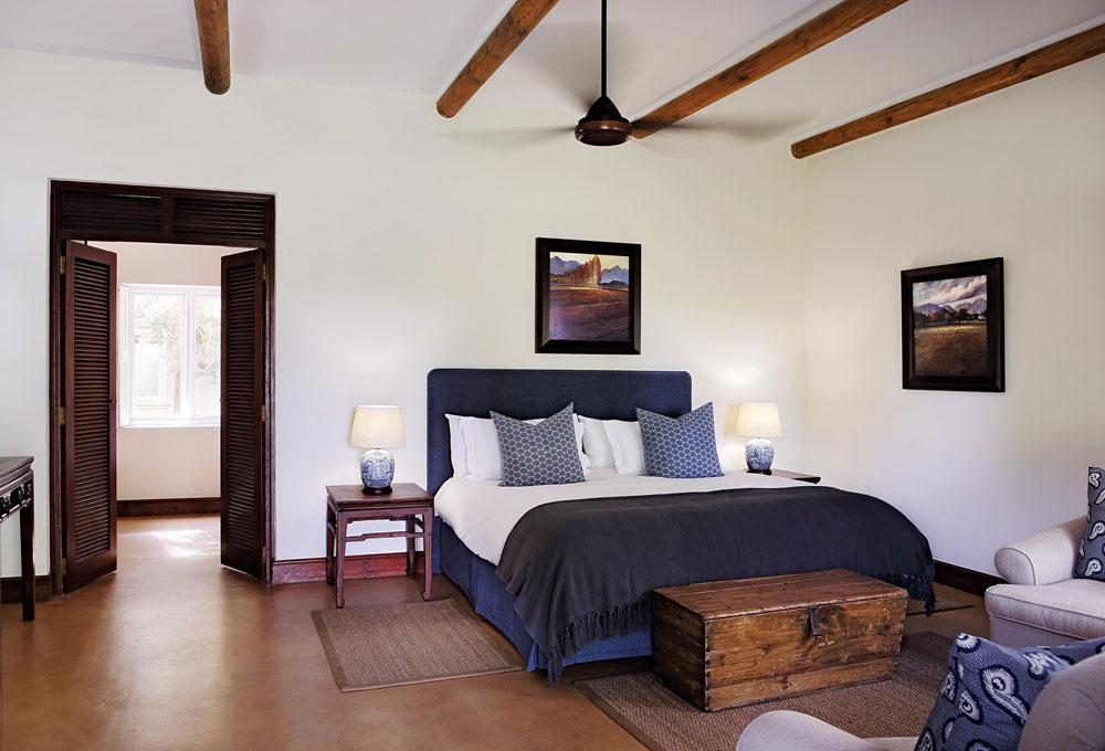 Hotel---Suite-601-Bedroom