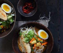 Laksa-Noodle-Soup-with-Boiled-Egg_400x600