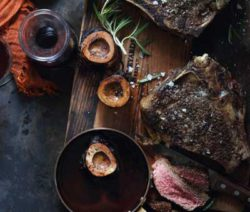 roast-rib-eye--&-bone-marrow--with-red-wine-sauce_400x600