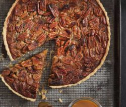 salted-caramel-pecan-nut-pie_400x600