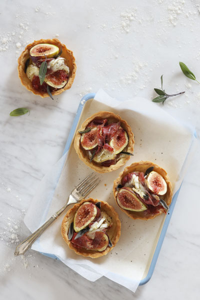 Fig, Brie and Prosciutto Tartlets