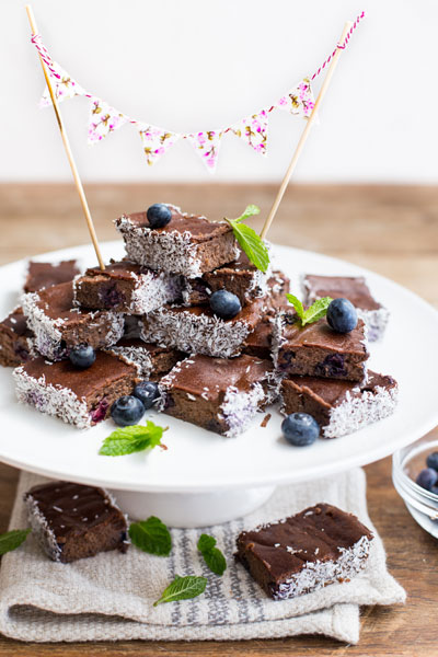 recipes with chocolate - LCHF Blueberry & Coconut Brownies
