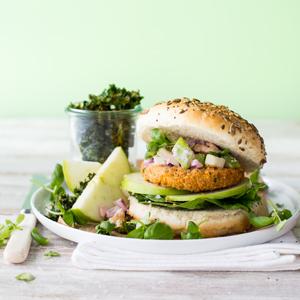 Quorn-Vegan-Burger-with-Carrot-Slaw-3x3