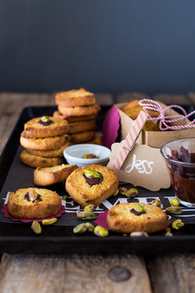 biscuit recipes LCHF buttery-pistachio-and-almond-biscuits