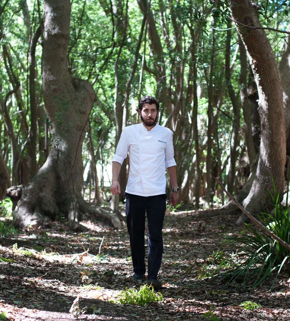 Chef_Mike_Cooke_in_forest_Vergelegen