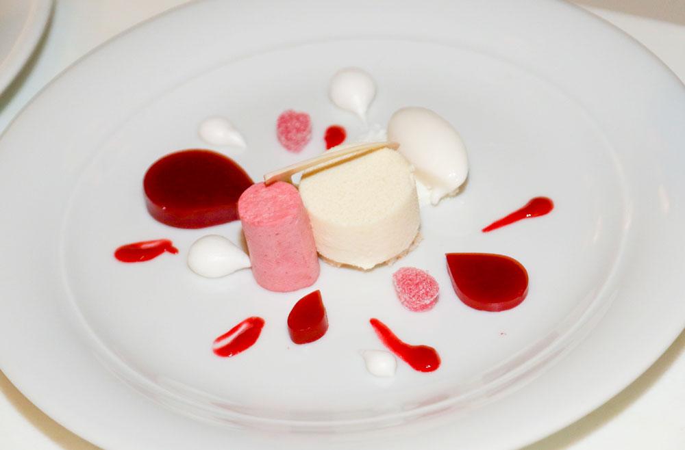 Hot-Kitchen-Dessert_Textured-Splash-of-Raspberry