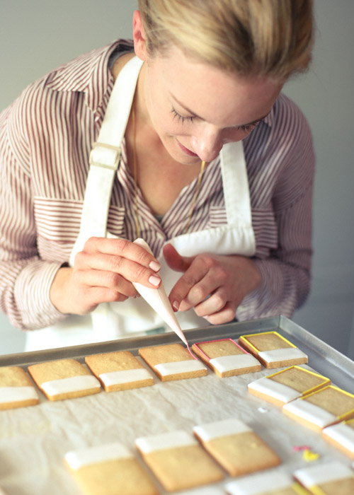 Talking Dedicated Sugarcraft with Roxy Floquet