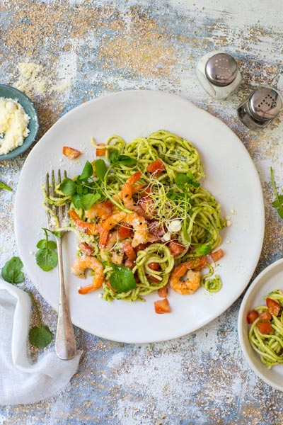 different ways to use guacamole - spaghetti with garlic fried prawns