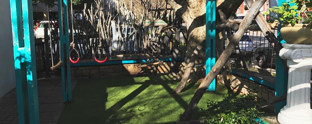 Kid friendly restaurants in Cape Town - Spiro's_greek_restaurant_Hout_Bay