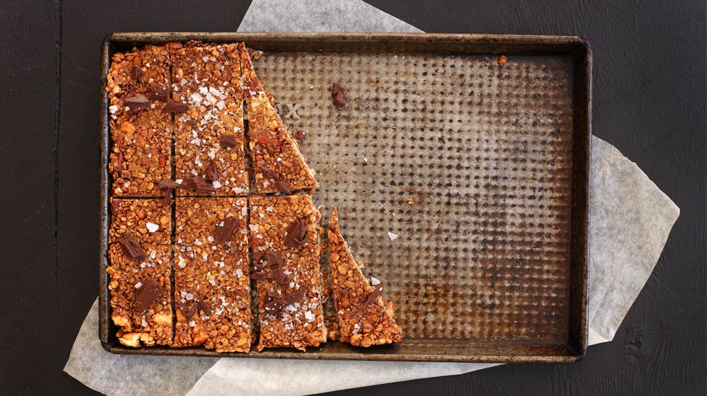 Date-&-Almond-snack-Bars