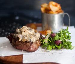 Rib-eye-steak-with-beef-and-mushroom-sauce-4x6