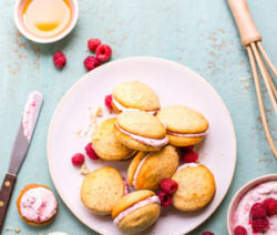 Lemon-and-Poppy-Seed-Whoopie-Pies-with-Raspberry-Cream