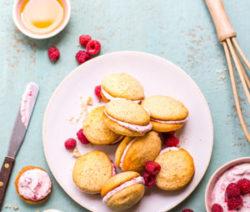 Lemon-and-Poppy-Seed-Whoopie-Pies-with-Raspberry-Cream