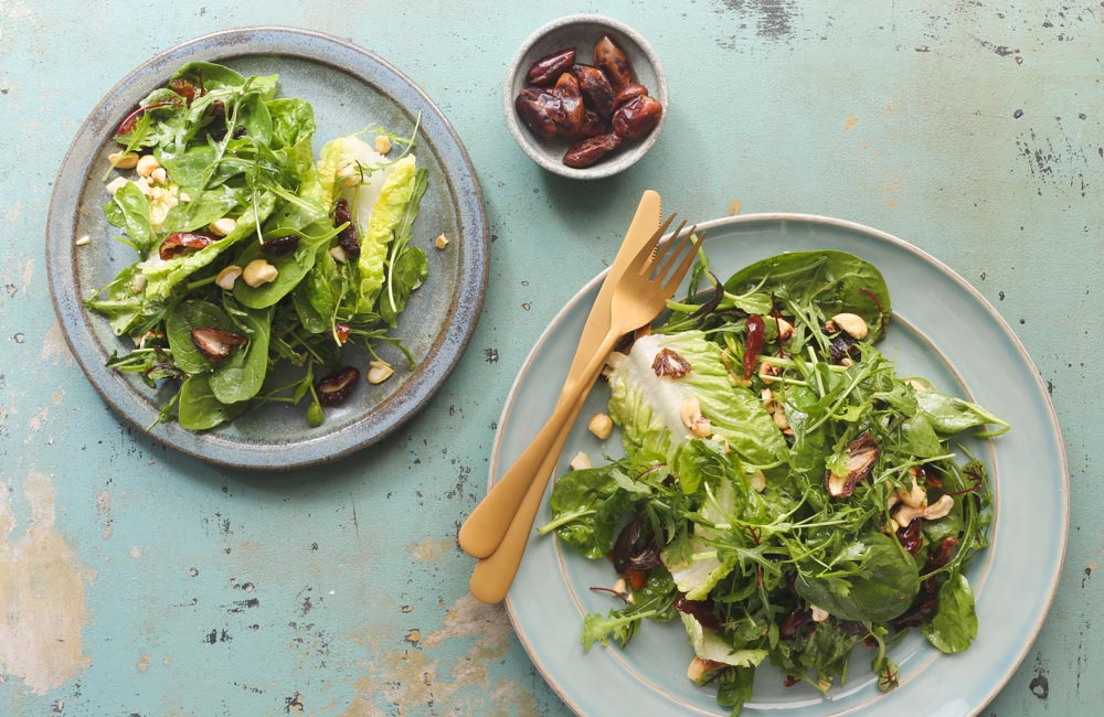 5 Easy and Healthy Summer Salads That You'll Love - Green Salad With Dates