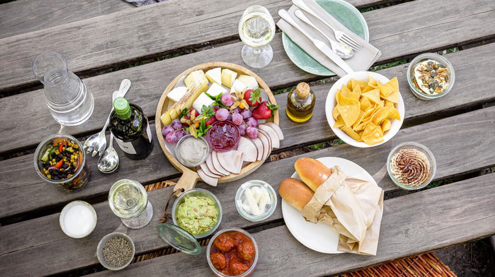 best pre-packed wine farm picnics in cape town