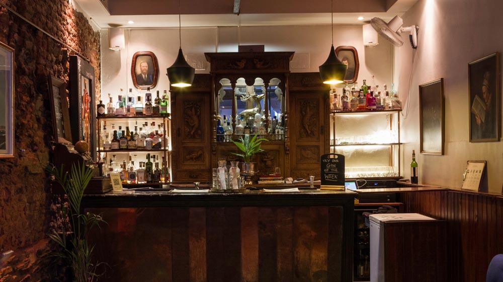 The-Gin-Bar-Interior-1x5