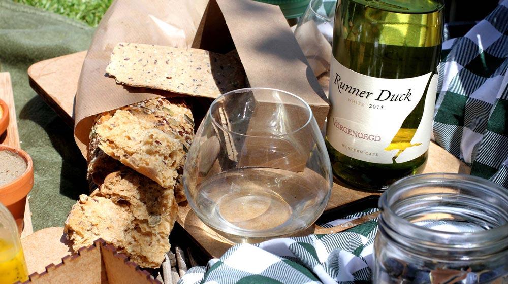 wine farm picnics-vergenoegd-