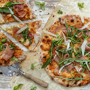 No-knead Pizza with Charred Tomato Sauce