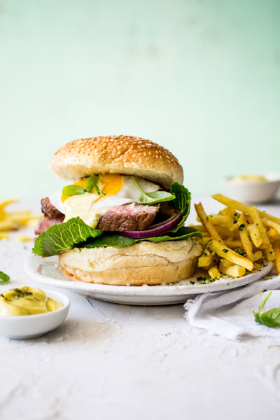 Steak Burger with Béarnaise Sauce