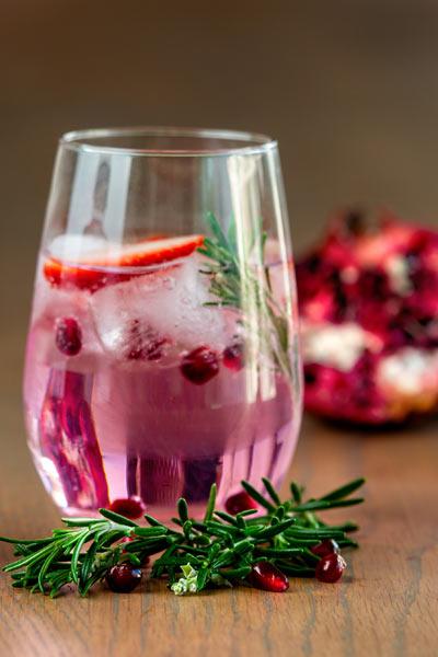 Cedarberg Aqua rose tonic water with gin