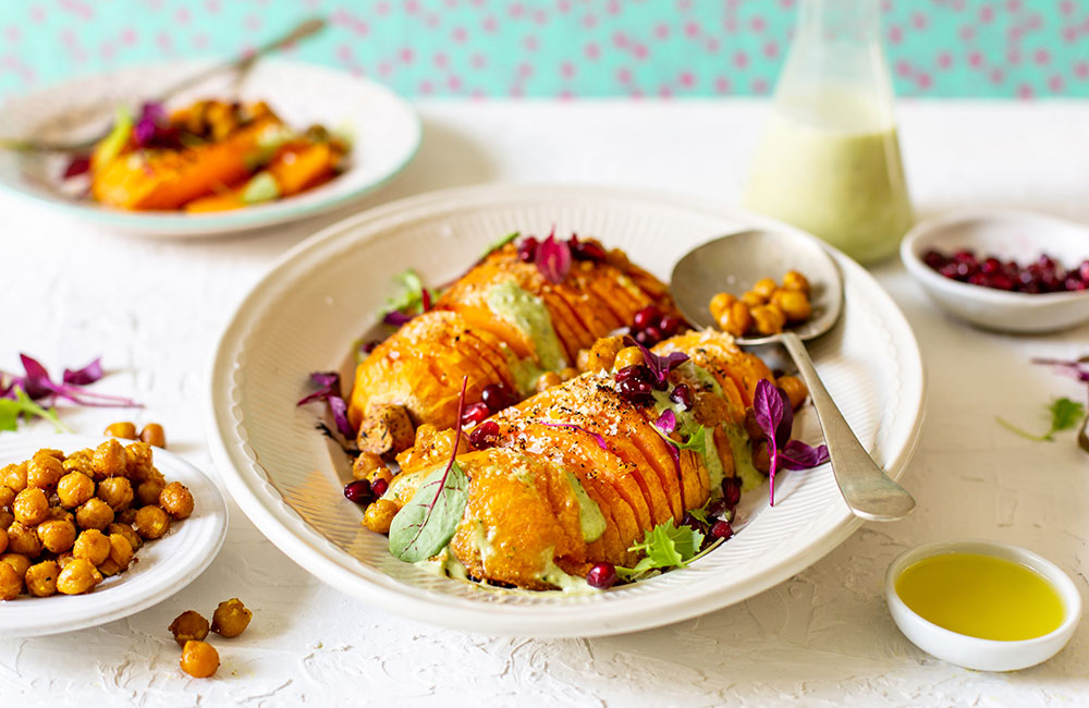 Vegan Hasselback Butternuts recipe with westfalia garlic-flavoured avocado oil