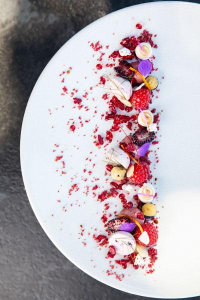 Le chêne restaurant summer berries dessert
